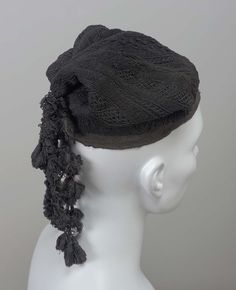 Black silk knitted fisherman's cap