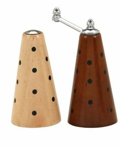 William Bounds Pep Art Natural/Mocha Cone Mill Set by William Bounds. $45.00. Adjustable grind from fine to coarse. Enjoy fresh-ground pepper or salt every day. Stands 5-inch tall. Decorated with vibrant hand-painted color combinations. Non-corrosive ceramic milling mechanism. The colorful PepArt Cone Set is the perfect pepper and salt mill combination for your table. It features an adjustable milling mechanism for fine to coarse grinds. The exclusive William Bound...