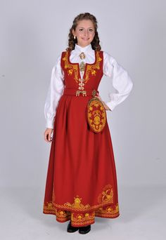 A very beautifull dress from Norway, I really would like to wear one of these one day.