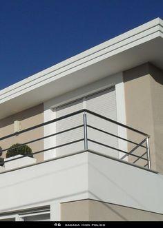 Exterior de casas pintura colores para Ideas for 2019 Balcony Grill Design, Balcony Railing Design, Fence Design, Garde Corps Aluminium, Steel Stair Railing, Terrace Decor, House Paint Color Combination, Rooftop Patio, Exterior Paint Colors For House