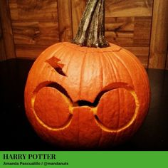 Take your pumpkin carving to the next level. These jack-o-lantern ideas for geeks are sure to entertain every trick-or-treater who rings your doorbell. Harry Potter Pumpkin Carving, Cute Pumpkin Carving, Halloween Pumpkin Carving Stencils, Halloween Pumpkin Designs, Easy Halloween Decorations, Halloween Pumpkins, Disney Pumpkin Carving, Pumpkin Painting, Halloween Images