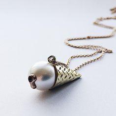 Going all in on ice on this icy friday ❄️🍦❄️ #ice #icecream #isvaffel #goingallin #gold #guld #silver #sølv #diamond #diamant #smykker #jewelry #jewellery #guldsmed #jeweller #goldsmith #handcrafted #handmade #danishdesign #guldsmedlouisedegn
