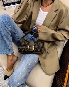 day date outfit Look Fashion, Fashion Bags, Fashion Outfits, Fashion Spring, Fashion Group, Winter Outfits, Summer Outfits, Cute Outfits, Bar Outfits