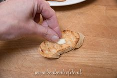 3x bruschetta recept Bruschetta Recept, Bruchetta, Bread, Cookies, Desserts, Food, Crack Crackers, Tailgate Desserts, Biscuits