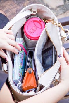Dagne Dover is a great line of bags for those who want to stay organized. My favorite is the Dagne Dover mini tote there is a place for everything. What In My Bag, What's In Your Bag, What's In My Purse, Dagne Dover, Carry All Bag, Mk Bags, Bag Organization, Mode Inspiration, Girly Things