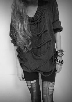grunge rocker look Hipster Outfits, Hipster Fashion, Punk Fashion, Grunge Fashion, Cool Outfits, Fashion Outfits, Womens Fashion, Hipster Style, Scene Outfits