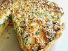 Recipes and Desserts from Greece Spinach Feta Quiche, Greek Appetizers, Savory Tart, Savoury Pies, Quiche Recipes, Appetisers, Pinterest Recipes, Greek Recipes, Main Meals