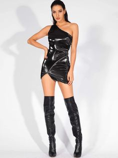 To find out about the LOVE&LEMONADE Zip Detail Asymmetrical Hem One Shoulder PU Dress at SHEIN, part of our latest Dresses ready to shop online today! Satin Cami Dress, Latex Dress, Tube Dress, Sexy Latex, Sexy Stiefel, Botas Sexy, Leder Outfits, Leather Lingerie, Black Party Dresses