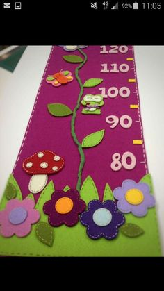 Metro cameretta Sewing For Kids, Diy For Kids, Felt Crafts, Crafts To Make, Fabric Growth Chart, Felt Kids, Felt Animal Patterns, Licht Box, Wall Clock Design