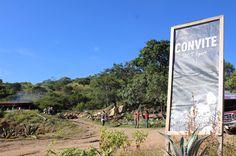 Convite da la bienvenida al Palenque Artesanal.