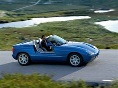 BMW Z1, its actually legal to drivewith the doors down!
