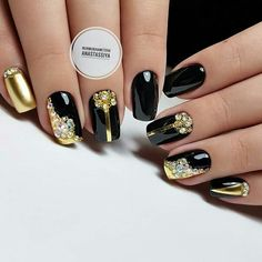 we've scouted for 30 attractive black nail designs that we want to share on Cute Black Nails, Black Gold Nails, Gold Nail Art, Black Nail Art, Cute Nails, Pretty Nails, Gold Nail Designs, Creative Nail Designs, Creative Nails