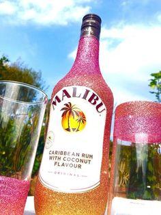 Glitter Prosecco, Glitter Gin, Glitter Champagne all Handmade as Gifts Bedazzled Liquor Bottles, Glitter Champagne Bottles, Decorated Liquor Bottles, Bling Bottles, Alcohol Bottle Decorations, Liquor Bottle Crafts, Diy Bottle, Glitter Make Up, Alcohol