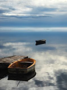 share silent, this is quiet moment. Colors Name In English, Row The Boat, Beautiful Photos Of Nature, Small Boats, What A Wonderful World, Nature Paintings, Life Is Like, Water Crafts, Wonders Of The World