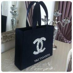 ✨Yeni model taş işlemeli keçe çanta modelimiz satışa çıkmıştır.✨