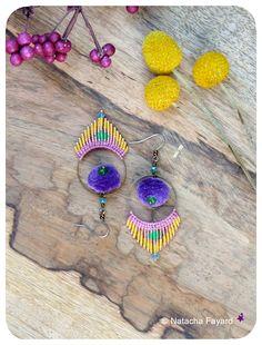 Micro macrame miyuki delicas earrings hoops / Indian style & Bollywood colors. © Natacha Fayard   #macrame #micromacrame #miyuki #delica #India #Bollywood #style #saffron #yellow #fuchsia #ethnic #earrings #tassels #pompons