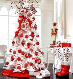 Red/White Christmas tree and decor White Christmas Tree With Red, Beautiful Christmas Trees, Christmas Tree Themes, Silver Christmas, Noel Christmas, All Things Christmas, Candy Cane Christmas Tree, Peppermint Christmas Decorations, Mickey Mouse Christmas Tree