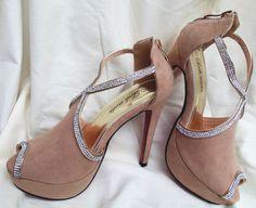 Zapato tacón beige con brillantes