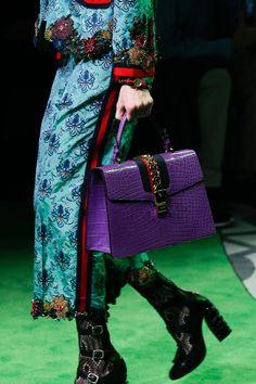 Gucci Spring 2017 Menswear Fashion Show Gucci Fashion, Fashion Bags, Fashion Show, Womens Fashion, Hermes Handbags, Burberry Handbags, Gucci Bags, Coach Handbags, Miu Miu Tasche