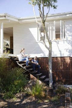 Find out how a couple transformed what was once a dated house into an eco-friendly home with a fresh Scandi-style interior. Scandi Home, Scandi Style, Dream Home Design, House Design, Garden Design, Exterior Design, Interior And Exterior, Weatherboard House, Queenslander