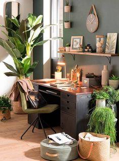 Mélange de style pour ce bureau. La nature est très présente le style industrielle vintage cosy scandinave