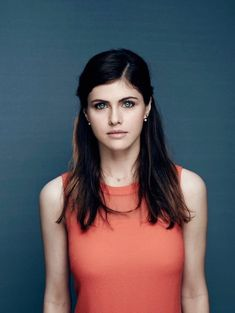 Celebrities - Alexandra Daddario Photos collection You can visit our site to see other photos. Keira Knightley, Hollywood Celebrities, Hollywood Actresses, Female Celebrities, Beautiful Celebrities, Beautiful Actresses, The Shallows, Jennifer Garner, Beautiful Eyes