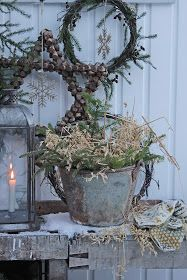 You can`t use up CREATIVITY. Primitive Christmas, Christmas Deco, Vintage Christmas, Christmas Time, Christmas Wreaths, Xmas, Vibeke Design, Shabby Chic Interiors, Nordic Style