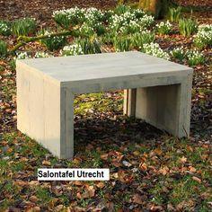 Steigerhouten salontafel, model Utrecht, gemaakt van oude/gebruikte steigerplanken. De afmeting op de getoonde foto is: 60x80x40 en kost in deze uitvoering € 94,00 Rien van der Meijden www.steigerhoutenmeubelsenmeer.nl
