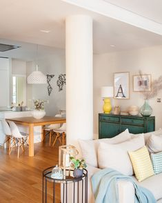Modern apartment located in Spain, designed in 2017 by Natalia Zubizarreta Interiorismo. Pastel Living Room, Living Room Decor, Beautiful Interiors, Beautiful Homes, Wood Furniture, Home Projects, Modern Decor, Small Spaces, House Plans