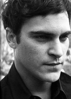 Joaquin Phoenix - them there eyes!
