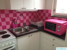 pink in the kitchen