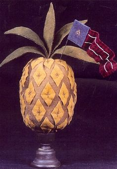 PINEAPPLE CANDLE(PRIM) Pinapple Decor, Pineapple Ideas, Im Crazy, Primitive Crafts, Country Charm, Pincushions, Primitives, Hospitality, Palm Trees