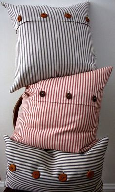 blue ticking stripe pillow cover by willaby on Etsy/ Beach I love these pillows Diy Pillow Covers, Decorative Pillow Covers, Pillow Cases, Making Cushion Covers, Sewing Pillows, Diy Pillows, Throw Pillows, Handmade Cushions, Ticking Stripe