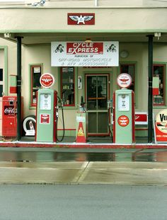 Great restored gas station in downtown Gladstone (Milwaukie-ish)