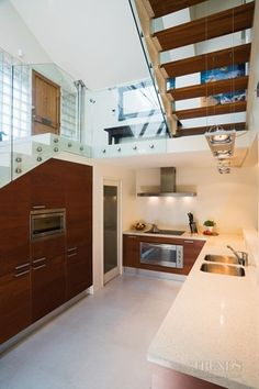 we just love this kitchen - more kitchen ideas at www.trendsideas.co.nz