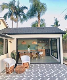 House goals: indoor/outdoor vibe and patio Indoor Outdoor Living, Outdoor Spaces, Memorial Day, Interior And Exterior, Exterior Design, Pavillion, Welcome To My House, Decoration Inspiration, House Goals