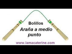 Bolillos: como hacer la araña de medio punto - YouTube