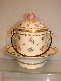 +Pot Trembleuse 18è Paris Porcelaine de la Rue Thiroux Manufacture de la Reine +