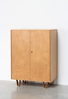 Cupboard made of birch wood designed by Cees Braakman for UMS Pastoe Lot of storage place 4 drawers and 2 shelves inside | http://www.furniture-love.com/browse.php | From selection of important 20th century modern furniture