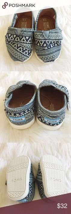 Navy Aztec Baby Toms Adorable navy Aztec baby toms perfect for your little boy or girl! New, never been worn. Reasonable offers always accepted. Bundle more to save more ⭐️✨ Toms Shoes