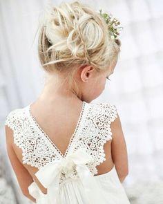 ¡¿Se puede ser más mona y chiquitina?!#damitadehonor | Can she be cuter?! #littlebridesmaid #weddingaddict #lacajadelosuenos
