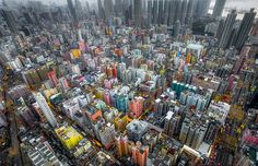 In his series 'Urban Jungle', photographer Andy Yeung shows us Hong Kong's high-rise density through the eyes of a drone. Hong Kong is home to seven millio Aerial Photography, Landscape Photography, Travel Photography, Hong Kong, Drones, Fotografia Drone, Photo D'architecture, High Rise Building, Cities
