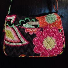 Authentic Vera Bradley purse NWOT NWOT Vera Bradley Bags Crossbody Bags
