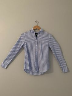 6b160fed J.Crew Women's Perfect Fit striped button down size 0 #fashion #clothing #