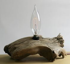 Driftwood lamp DIY lamp made from driftwood Driftwood Chandelier, Driftwood Table, Driftwood Projects, Deco Nature, Wooden Lamp, Wooden Tables, Light My Fire, Cool Lighting, Lamp Design