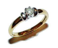Fully Hallmarked 18ct Yellow Gold & 0.15ct Diamond Solitaire Ring (UK Size: L)