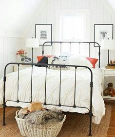 57 Modern Small Bedroom Design Ideas For Home. It used to be very difficult to get a decent small bedroom design but the times have changed and with the way in which modern furniture and room design i. Decoration Inspiration, Decor Ideas, Bed Ideas, Design Inspiration, Small Bedroom Inspiration, Suites, Home And Deco, My New Room, Beautiful Bedrooms