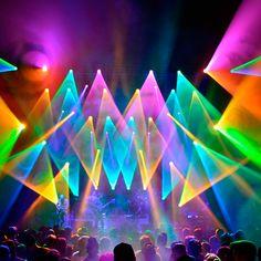 I think its Umphreys? Nice stage set up Stage Lighting Design, Neon Lighting, Bühnen Design, Pink Tour, Concert Stage Design, Concert Lights, Laser Show, Colour Architecture, Auction Projects