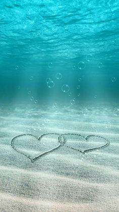 It is love wallpaper you can keep it on your phone wallpaper or somewhere else it is a love wallpaper iphone Underwater Wallpaper, Ocean Wallpaper, Summer Wallpaper, Love Wallpaper, Aesthetic Iphone Wallpaper, Galaxy Wallpaper, Wallpaper Backgrounds, Underwater Photos, Wallpaper Samsung