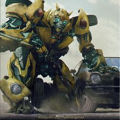 That would be awesome if this is what BBB looks like in the Bumblebee movie Ironhide Transformers, Transformers Bumblebee, Transformers Characters, Transformers Optimus Prime, Transformers Collection, Bee Movie, Cartoon Shows, Concept Art, Character Design